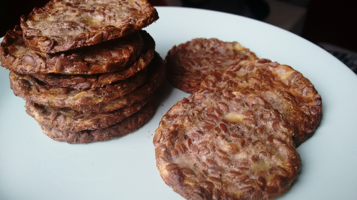 banana flax seed crackers
