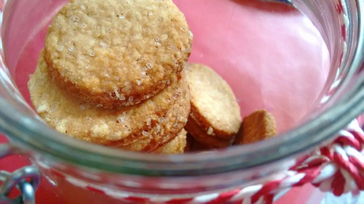 crunchy cinnamon biscuits.jpg