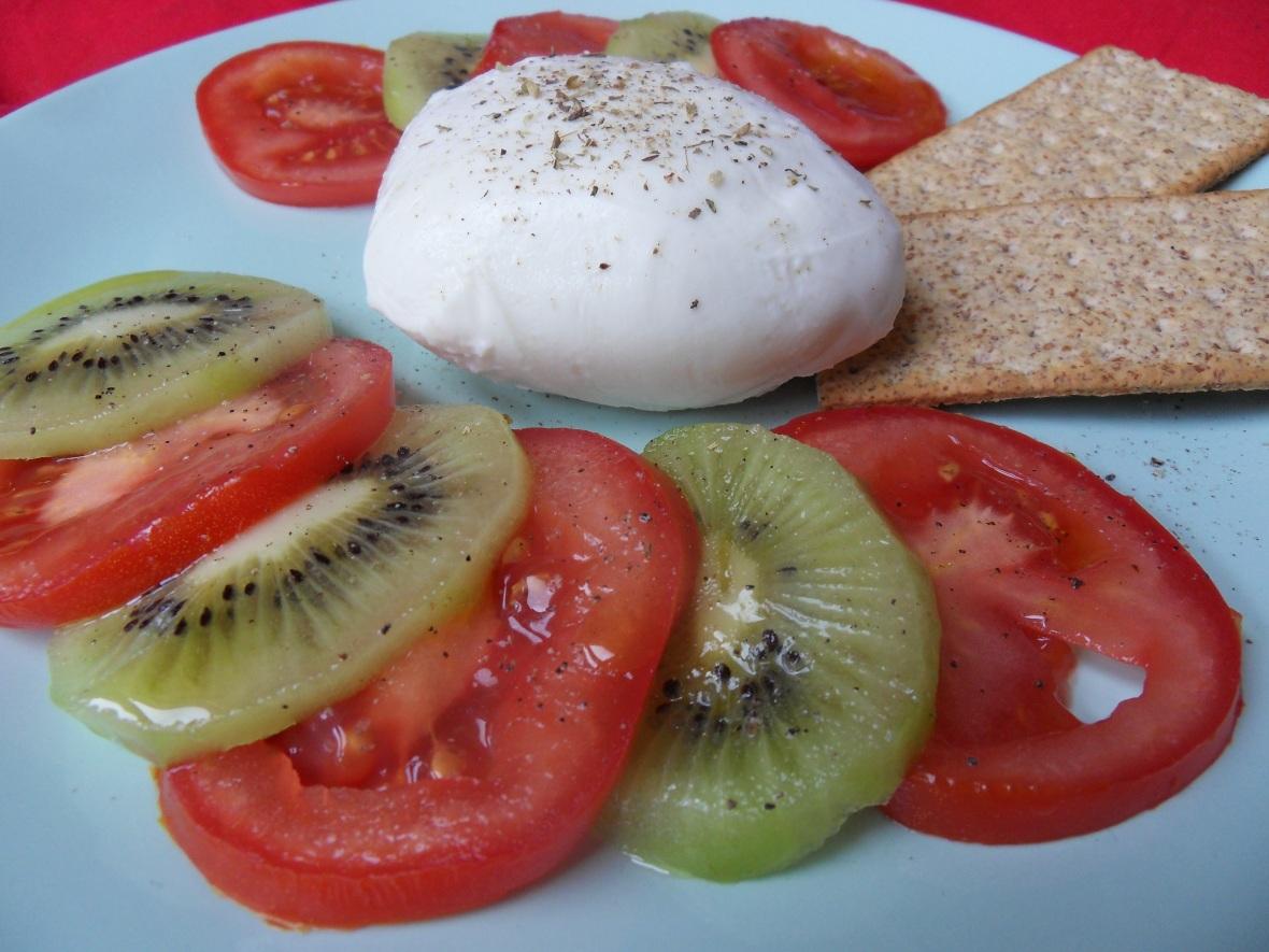 kiwi and tomato.JPG