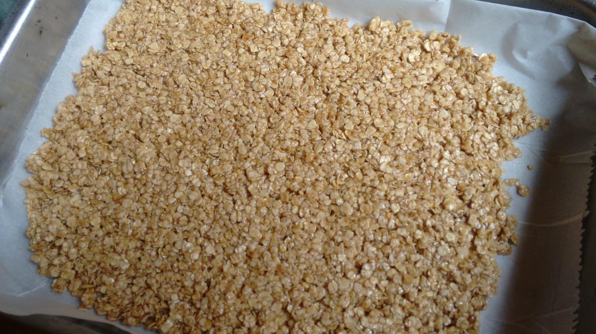 oatmeal bars 3 ingredients.jpg