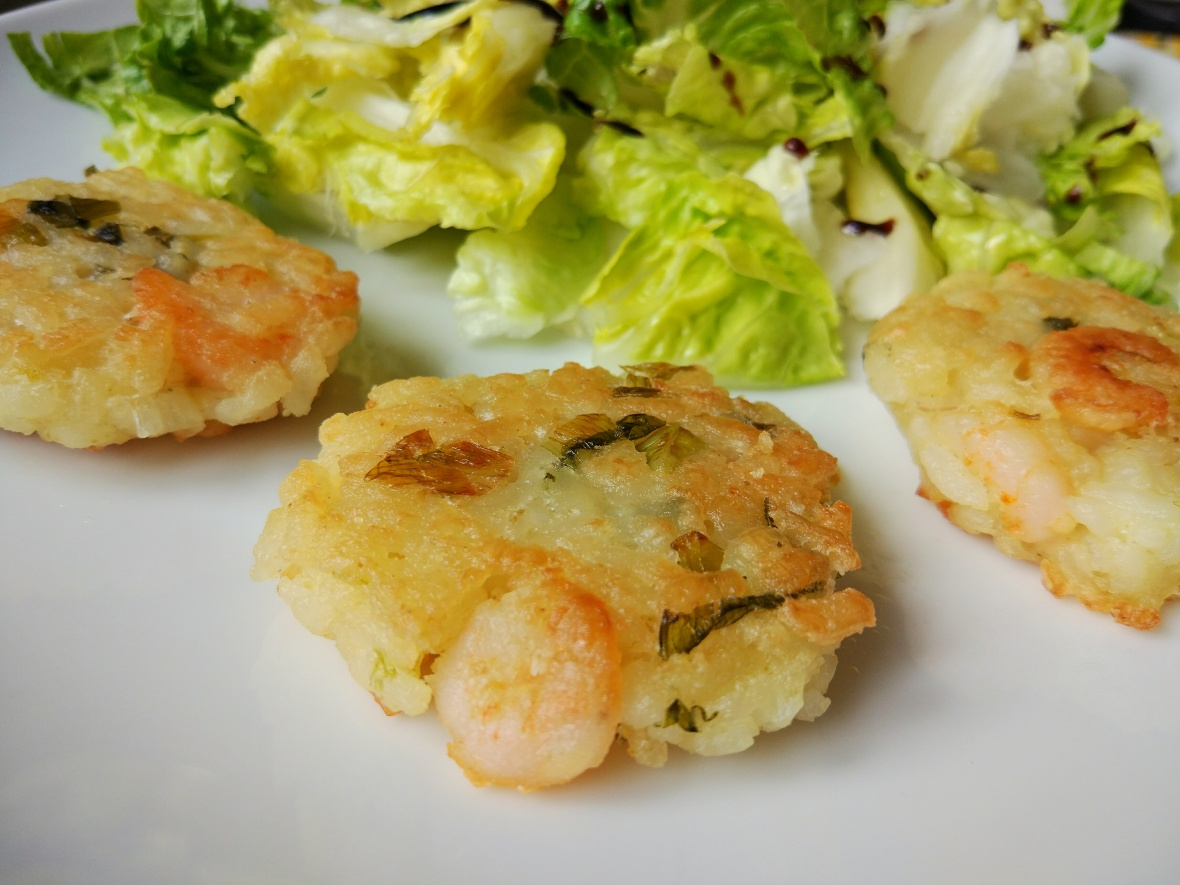coconut and shrimp rice cakes