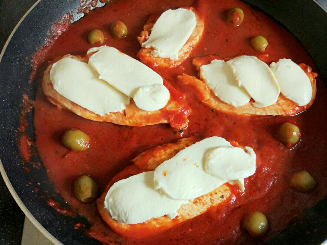 how to make chicken pizzaiola